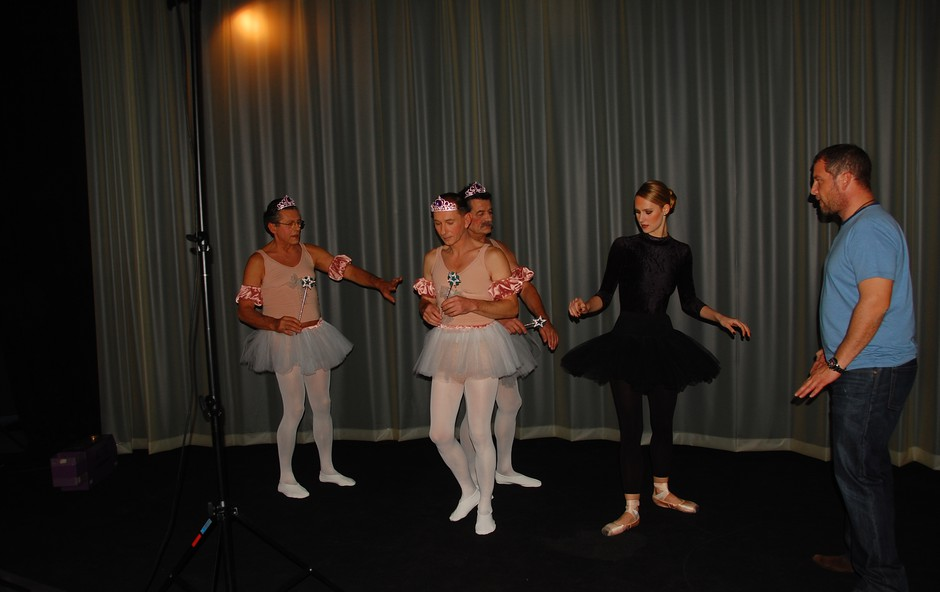 Postavljanje baletnih poz ni najlažje za neuke možakarje. (foto: DonFelipe)
