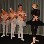 Pa jim je le uspelo približno ujeti baletno pozo. (foto: DonFelipe)