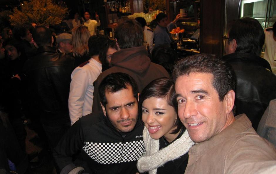 Sanja je s producentom Funetesom in Andrésem Alcarázom, ki bo odgovoren za njeno glasbo, obiskala tudi večerno Barcelono, a hitro odšla spat, saj so obiski in sestanki precej naporni. (foto: DonFelipe)