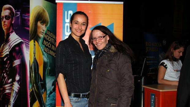 Voditeljica jutranjega programa na radiu Ekspres je veselo pozdravila goste, med katerimi je bila tudi pevka Maja Misson. (foto: Jasmina Hasković)