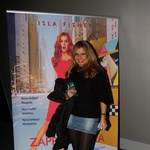 Pevka Neisha si je Strastno zapravljivko ogledala s prijateljico. (foto: Jasmina Hasković)