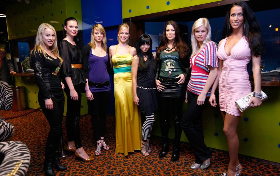 Lepotice, ki so igrale v tretjem krogu Black Jack Manije. (foto: Vesmin Kajtazovič)