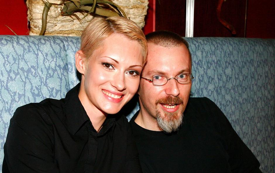 Sanela Vukalić z odgovornim urednikom slovenskega Playboya Borutom Omerzelom. (foto: Ivana Krešič / Playboy)