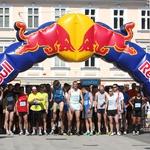 Nadebudni tekači so tekli po ulicah Kranja. (foto: KŠK)