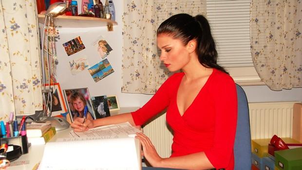 Daša se večinoma uči ponoči, saj ji tako najbolj odgovarja. (foto: DonFelipe)