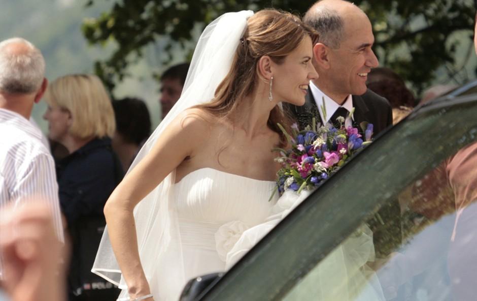 Urška in Janez srečno poročena 1 (foto: Jani Bozic)