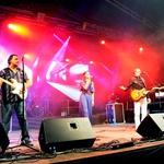 Dobra energija na odru se je začela že med prvo skladbo. (foto: Grega Eržen / www.baulon.si)