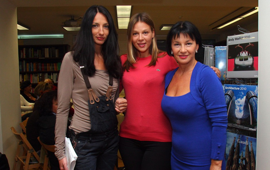 Klepet s pisateljico Azro Širovnik. 1 (foto: Jasmina Hasković)