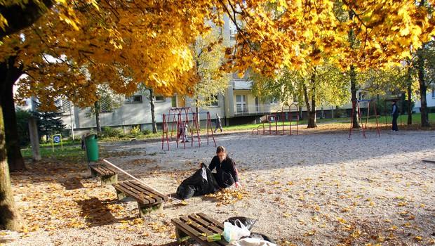 Rdeča žoga je z zlatim donatorjem prenovila otroška igrišča. 1 (foto: Jasmina Hasković)
