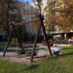 Rdeča žoga je z zlatim donatorjem prenovila otroška igrišča. 3 (foto: Jasmina Hasković)