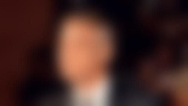 Poleg Clooneyja sta glavna kandidata za vlogo v filmu o Franku Sinatri, še Leonardo DiCaprio in Johnny Depp.