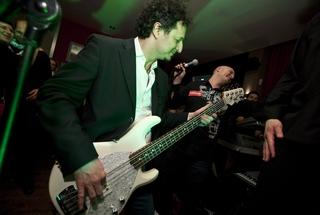 Svoje sposobnosti na bas kitari je pokazal tudi prometni minister Patrick Vlačič.