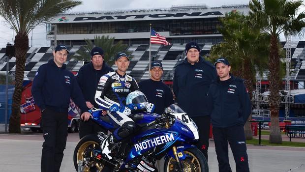 Celotna Skubičeva ekipa se je pripravila za dirko odlično in zadnji dan izkoristila za fotografiranje. (foto: Bor Dobrin za Intoherm Yamaha team)