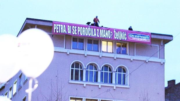 Znameniti Željkičev napis je sprožil smeh in začudenje v Ljubljani. (foto: Aljoša Kravanja)