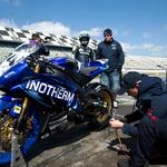 Skubiceva ekipa, med njimi je tudi komentator Moto GP in naš novinar Gaber Keržišnik, se trudi za Boštjana in njegove rezultate skupaj z njim. (foto: Bor Dobrin za Intoherm Yamaha team)