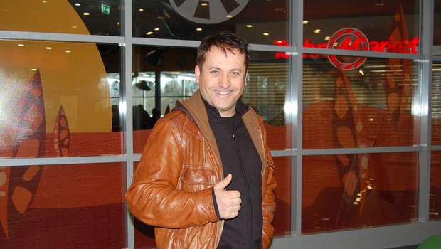 Na prireditvi je bil tudi producent in glasbenik Miki Šarac, ki je tudi sodeloval pri projektu. (foto: DonFelipe)