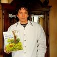 Pevec Kalamarov piše otroške knjige