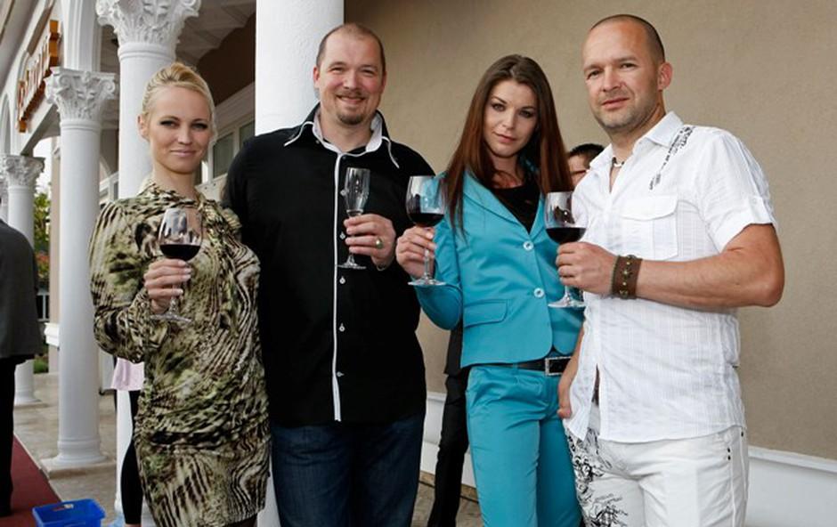 Petra Lavtar Slapar in Robert Lavtar sta uživala na otvoritvi ob zakoncih Šajn. (foto: Vesmin Kajtazovič)
