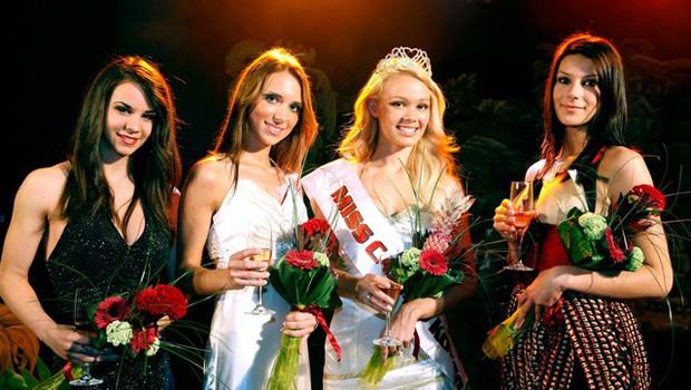 Rebecca Kim Lekše je osvojila lento najlepše v drugem predizboru Miss Casino Kongo. (foto: Vesmin Kajtazovič)
