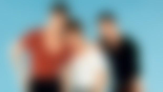 Skupina Take That je razpadla leta 1995, ko je Robbie zaplaval v samostojne glasbene vode, zdaj pa so se člani ponovno zbrali v popolni postavi.