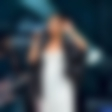 Lily Allen: Noseča skakljala kot kobilica