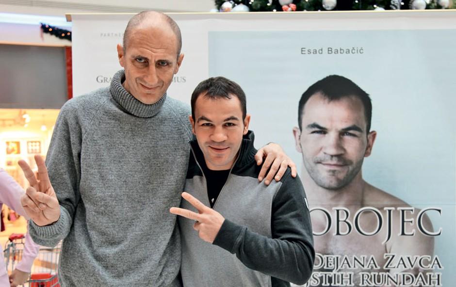 Esad Babačič je poskrbel za odlično biografijo z naslovom Trdobojec - zgodba Dejana Zavca v dvanajstih rundah. (foto: Helena Kermelj)