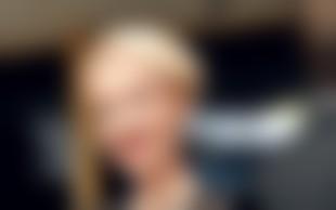 Maja Ferme: Monici podarila ogrlico