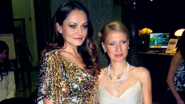 Manekenka Iryna Osypenko v družbi oblikovalke obleke Maje Ferme je bila v vseh poročnih kreacijah videti prava diva. (foto: Alpe)