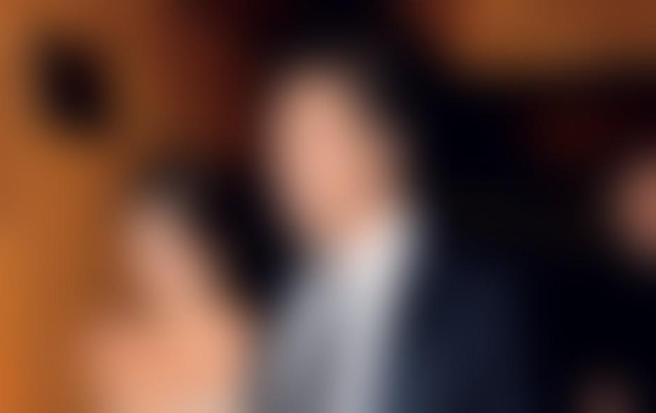 Španska zvezdnika sta se spoznala na snemanju filma Pršut, pršut leta 1992, po več propadlih zvezah pa sta se leta 2007 spet našla. Na zasebni slovesnosti sta se poročila julija lani na Bahamih.