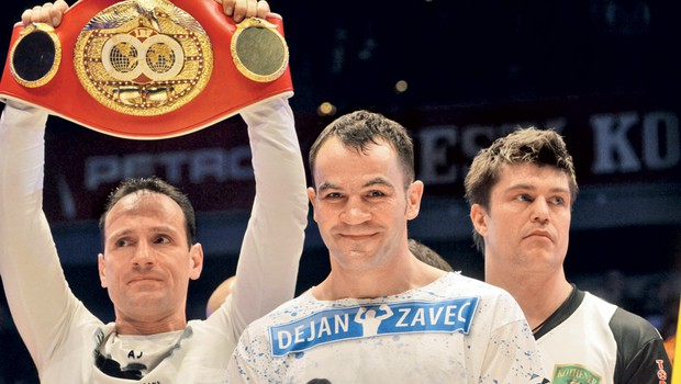 Dejan Zavec je slovenski heroj. V ozadju njegov dober prijatelj in nekdanji športni as Tomaž Barada. (foto: Goran Antley)