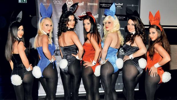 Za odlično vzdušje so na najbolj vroči zabavi leta poskrbele slovite Playboyeve zajčice. (foto: Sašo Radej in Primož Predalič)