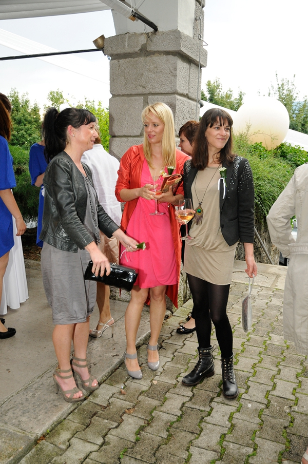 Karin Bizjak, Tina Deu, Tina Torelli