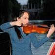 Koncert Anje Bukovec na splavu na Ljubljanici