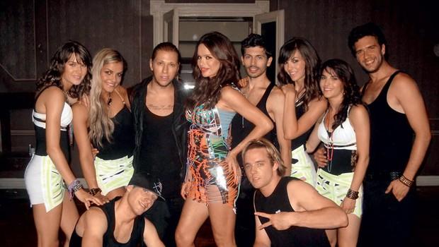 Severina s plesalci Kazine (foto: Story press)