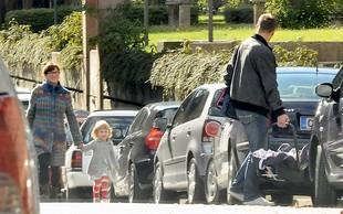 Družina Zrnec: Sestrico je domov pospremila tudi Leni
