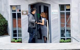 Marjetka & Raay: Paparac razkril nosečniški trebušček
