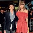 Kitaristu skupine Rolling Stones Ronnieju Woodu uspešno operirali raka na pljučih