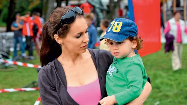Lili Žagar s sinčkom Tilnom (foto: Helena Kermelj)