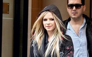 Avril Lavigne: Napadli so jo neznanci