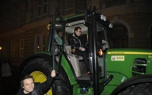Branko Đurić - Đuro na premiero kar s traktorjem