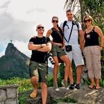 Iris Mulej so v Riu de Janeiru spremljali fant Črt Slavec, fotograf Aleš Bravničar in novinarka Jasmina Dvoršek.  (foto: Playboy)