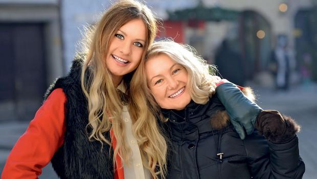 Tara in Vlasta sta si v marsičem podobni, zato se kot mati in hči tudi podpirata in si stojita ob strani.  (foto: Primož Predalič, osebni arhiv)