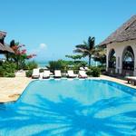 Next Paradise Boutique Resort, kjer so praznične dni preživeli Boris, Marijana in Aleks, je majhen, intimen, butičen hotel s 16 sobami. Vse sobe so klimatizirane in imajo idiličen pogled na morje. Raztega se na površini 13 tisoč kvadratnih metrov in leži ob Indijskem oceanu. (foto: osebni arhiv)