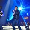 Skladbo Parfum ja Omar Naber prvič v živo predstavil s skupino Maestro.