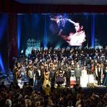 Poklon vseh nastopajočih v polni dvorani makedonske opere  (foto: Evrovizija.com)
