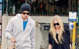 Avril Lavigne: Zanika konec zveze