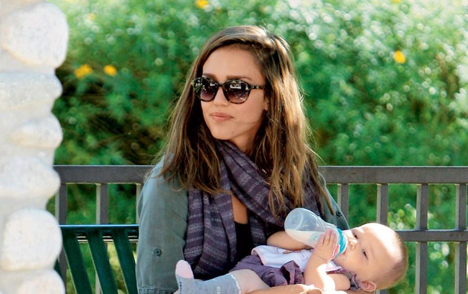 Jessica je kmalu po porodu avgusta lani ponovno prišla v formo in ima spet zavidanja vredno postavo. (foto: Profimedia.si)