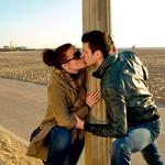 Sandi in Rebeka sta bila na plaži Santa Monica romantično razpoložena ... (foto: Story press)