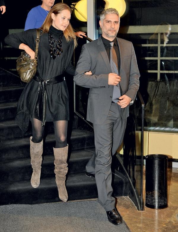 Igralec Sebastijan Cavazza ne skriva več svoje srčne izbranke Maje Vinder, saj se skupaj že pojavljata na družabnih dogodkih.