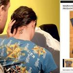 Majico znamke Ed Hardy, ki jo ima na fotografiji z nekdanjim fantom Sebastjanom Cimirotićem, je kupila v Ameriki, na portalu pa se je že prodala za 13 evrov. (foto: Story press, Fashion.si)